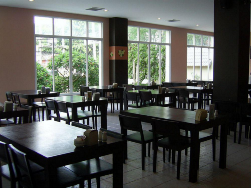 Crown Pattaya Beach Hotel