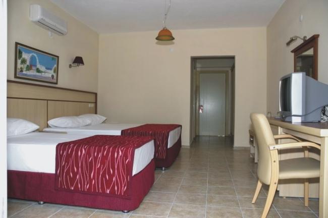 Calipso Beach Hotel