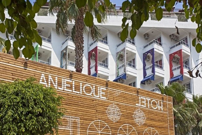 Club Hotel Anjelique