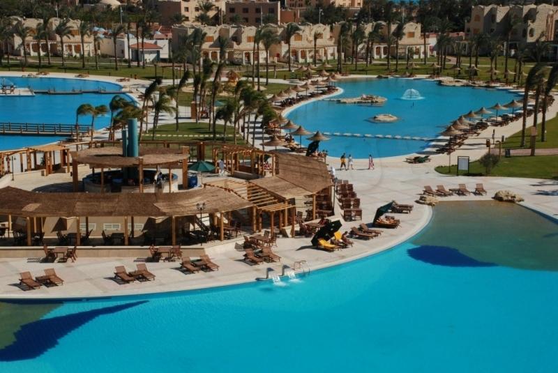 Royal Lagoons Resort (ex.Premium Blue lagoon)