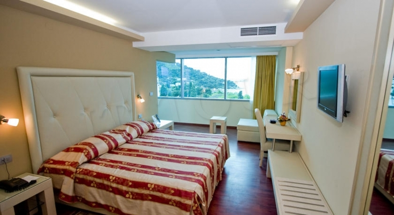 Grand Park Hotel & Villa